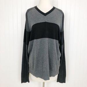 Vince Pullover Sweater Knit Gray Black V Neck L